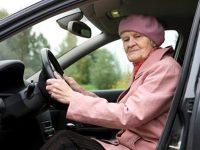 Он помог пожилой женщине поменять колесо. И только вечером понял, ЧТО произошло на самом деле....