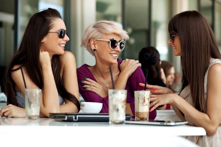 Три подруги каждые 10 лет встречались в одном и том же ресторане. От их последней встречи просто мурашки по коже…