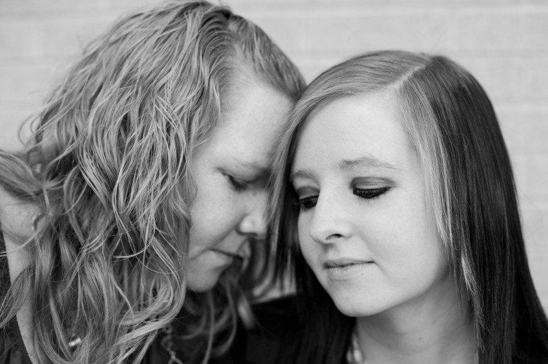 Войдя в палату, они уже знали, что 17-летняя мама умрет. Она приняла такое решение
