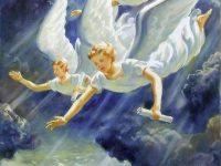 Два ангела, женщина, бегущая на работу, крутая лестница.