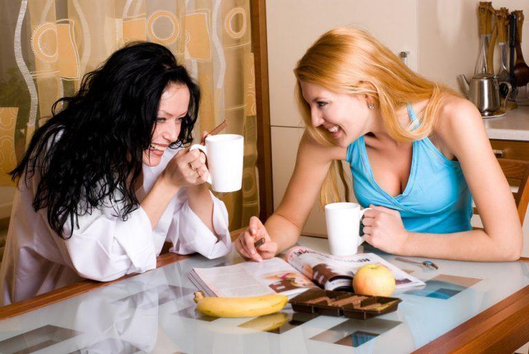 Как-то встретились мы с подружкой на чай с тортиком.