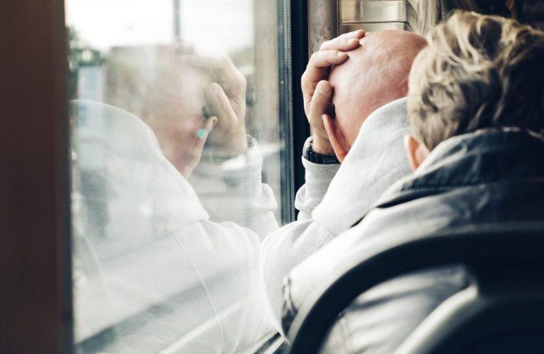 Как меня пенсионера попросила женщина место уступить