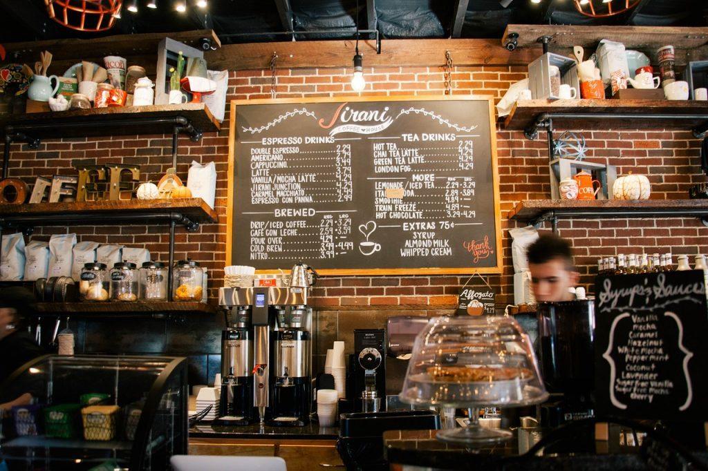 Как в одном кафе бармен отказался клиентов обслуживать