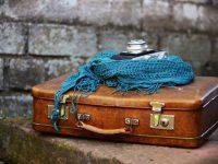 В пятьдесят лет - с чемоданом к маме?