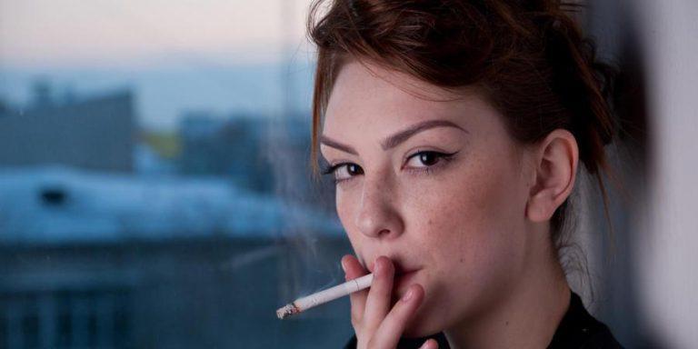 Моя девушка курит и скрывается