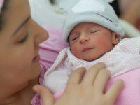 Узнали о ребенке на родах: как камень в почках превратился в мальчика