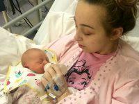 18-летняя девушка легла спать с головной болью, а проснулась с ребенком