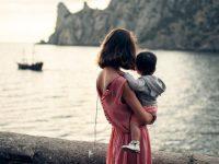 Из роддома забирали здоровую малышку, спустя 3 года мать оформила инвалидность
