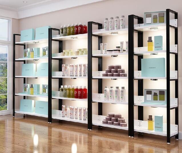 Торговые витрины для косметики: особенности, методика выбора и разновидности